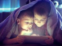 Naučno dokazano: Previše vremena provedenog ispred ekrana mijenja dječiji mozak