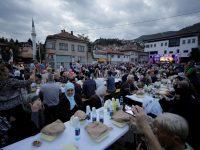 Sarajevo: Na iftaru u organizaciji Grada Istanbula oko 2.000 ljudi