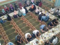 AKOS i Svitanje organizovali iftar u Ustikolini