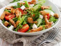 Pileća salata – naučite kako je pripremiti bolje nego u restoranu