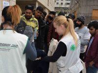 Podijeljena hrana, odjeća i obuća za migrante u Tuzli