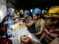 Kako izgleda iftar rudara 350 metara ispod površine zemlje