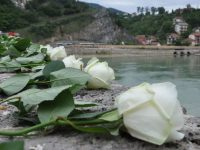 Danas obilježavanje godišnjica stradanja građana Višegrada: 3.000 ruža u znak sjećanja na ubijene