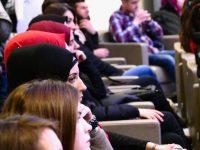 Muslimanski tinejdžeri: kako biti moderan – u trendu, a slijediti načela vjere