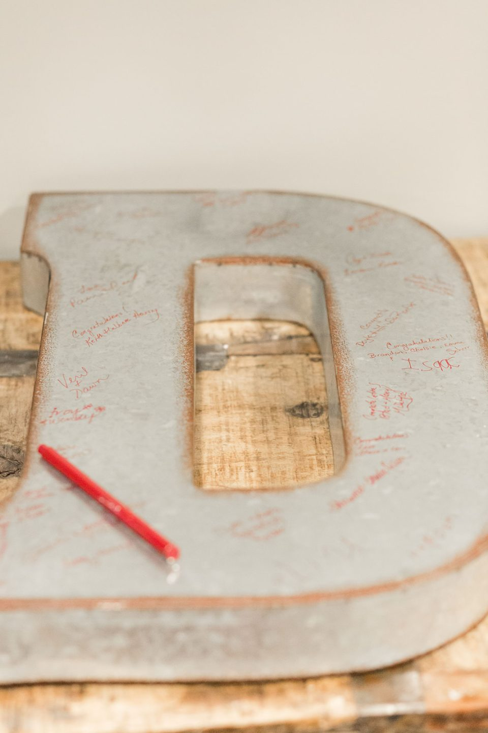Alternative guest books - Oversized Initial to be Signed