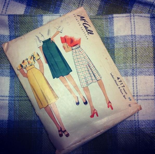 Vintage McCalls 4717 skirt pattern