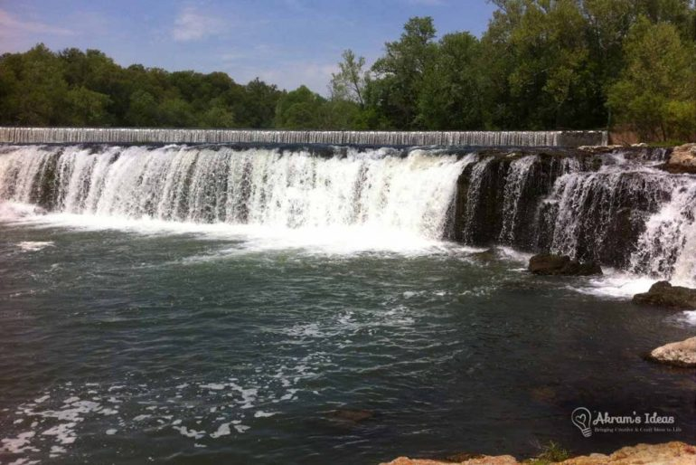 Majestic Grand Falls in Joplin, Mo