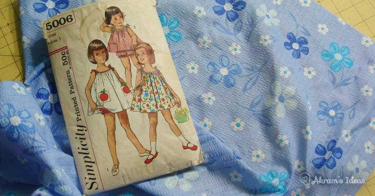 Simplicity 5006 and blue floral