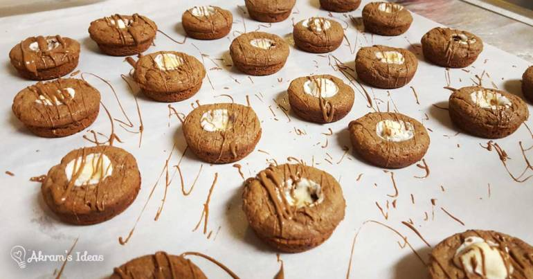 Akram's Ideas: Williams-Sonoma's Salted Caramel Hot Chocolate Cookies Whoopie