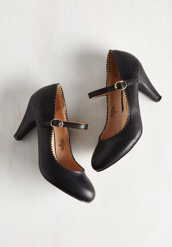 Modcloth Romantic Revival Heel in Noir