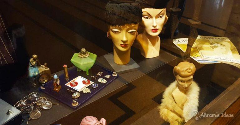 Art Deco hats and jewlery