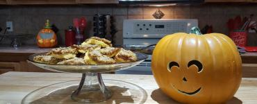 Akram's Ideas: Williams-Sonoma's Muirhead Pecan Pumpkin Butter Bars