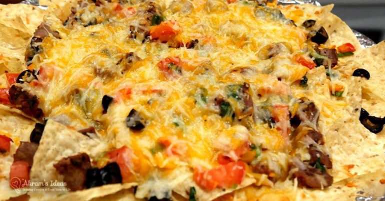 Get the recipe for these restaurant style fajita nachos that you can whip up for a weeknight dish at home.