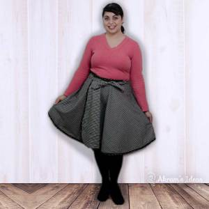 Another wrap skirt, this time using McCalls 7129 using a black floral print cotton and a black and white gingham on the reverse.