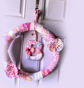 Akram's Ideas: DIY Fabric Wreath