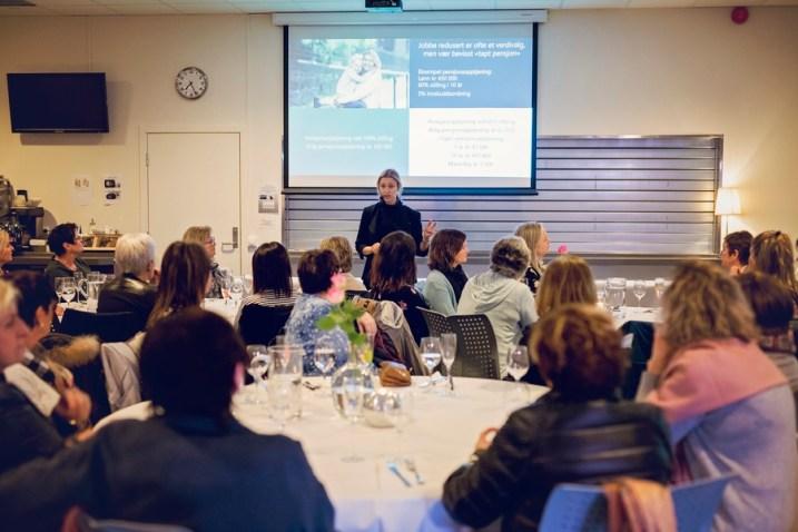 Helene Hansteen holder foredrag om pensjon