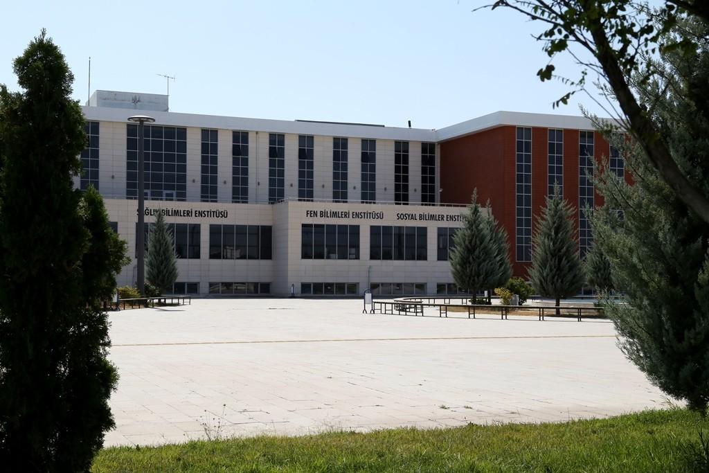 ASÜ'de lisansüstü öğrenci alımı başvuruları 22 Ağustos'ta sona erecek