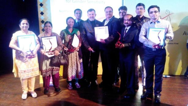 Winners in Gujarati language, Neela Sanghvi, Kiran Kanakia from Mid Day Gujarati, Maulika Derasari - Gujarati blogger, Friends from Gujarati E magazine Sahityasetu.co.in, Naveenbhai Joshi of Kutchmitra, Bharatbhai Patel from Gujarat Guardian, Lalitbhai Khambhayata from Gujarat Samachar and myself - Jignesh Adhyaru