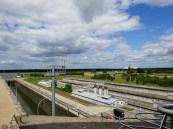 Blick vom Aussichtsturm zu den Wasserspeichern