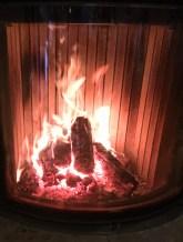 Im Haus sorgten mehrere Kamine für angenehme Wärme.