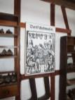Jedes Handwerk wird erklärt und mit alten Tafeln veranschaulicht