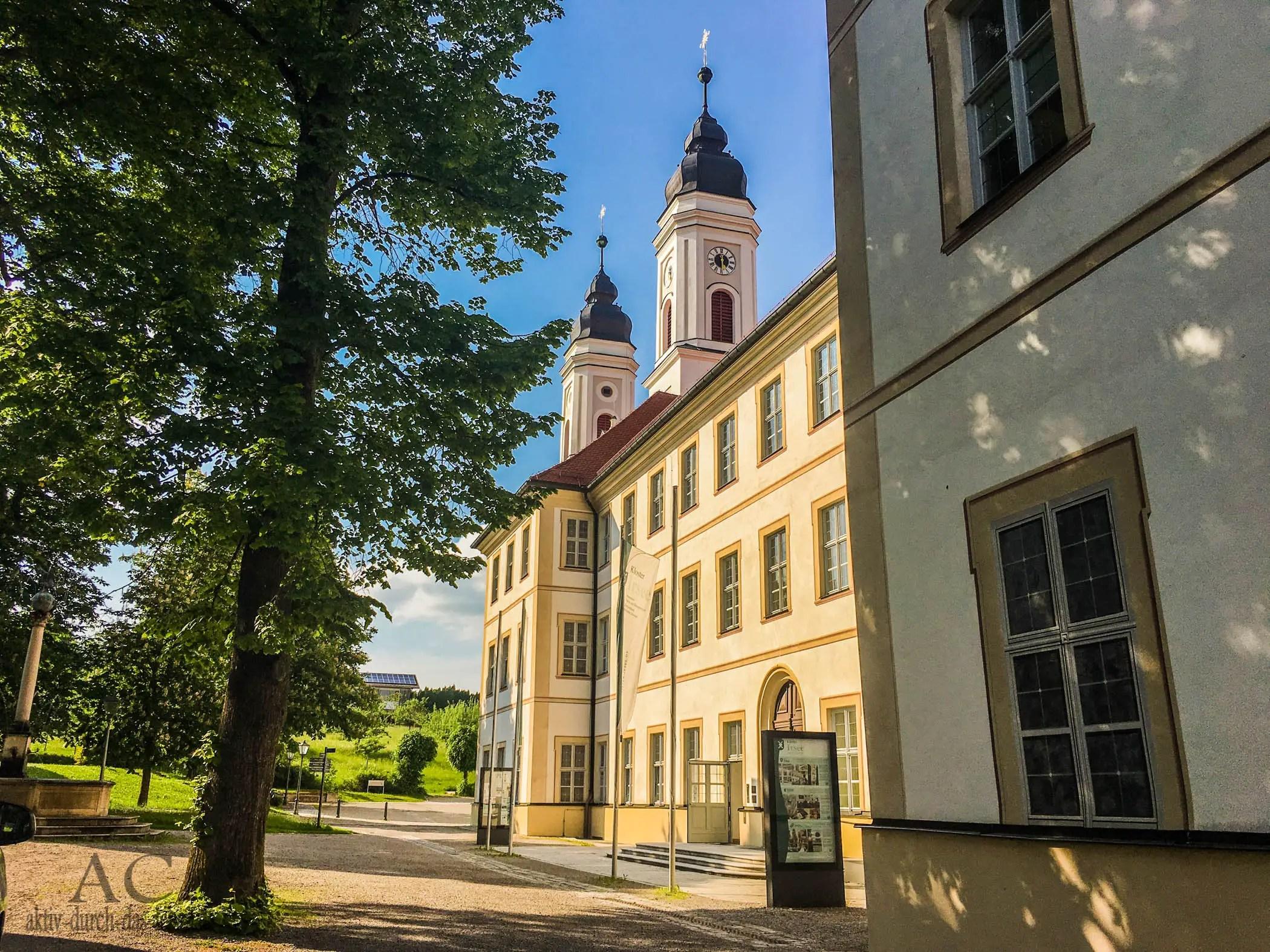 Wandertrilogie Allgäu – Das Kloster Irsee – Porta patet, die Tür steht offen!