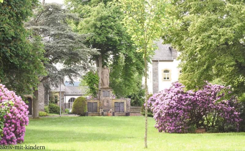 Spaziergang im Kirchpark