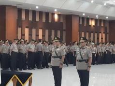 Komjen Gatot Eddy resmi dilantik sebagai Wakapolri menggantikan Komjen Ari Dono Sukmanto yang akan pensiun.