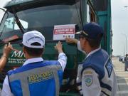 PT Jasamarga Surabaya Mojokerto (JSM) bekerjasama dengan Dinas Perhubungan, Kepolisian, Kejaksanaan dan PT Jasamarga Tollroad Operator menggelar operasi penertiban kendaraan Over Dimension dan Over Load [ODOL]