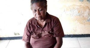 Ibu Helena Demetouw, korban yang dianiaya anaknya (ANTARA/HO/Humas Polres Jayapura)