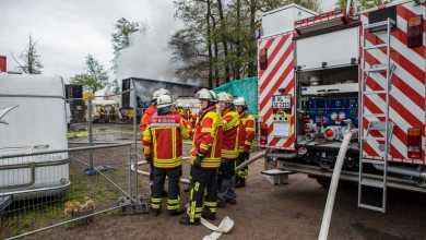 Photo of Feuerwehr löscht Feuer in Seevetal