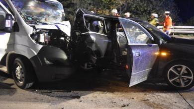 Photo of Auffahrunfall nach Reifenverlust – Beteiligte retten sich durch Sprung zur Seite