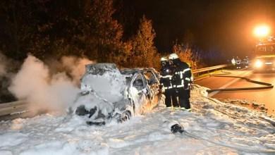 Photo of Soldat kann sich aus brennendem Auto retten