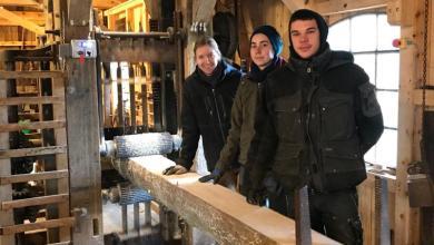 Photo of Junge Hände für alte Wände – FSJler arbeiten in denkmalgeschützter Wassermühle Karoxbostel