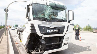 Photo of Unfall legt Verkehr auf Köhlbrandbrücke lahm
