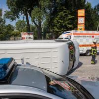 Heftiger Unfall nach Verkehrskontrolle