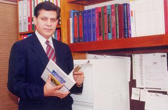 Dr. Farhat Abbas: Dean, Medical College, AKU