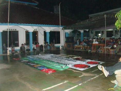 Acara digelar di pelataran Mushola Al-Ikhlas