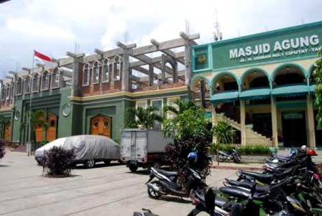 Pembangunan lantai dua Masjid Agung Al-Jihad