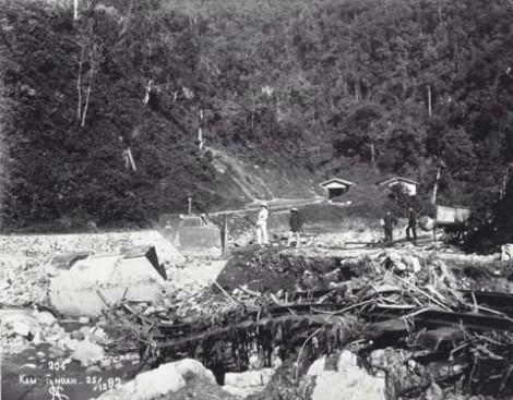 Kerusakan Lembah Anai karena longsor dan banjir tahun 1900-1940