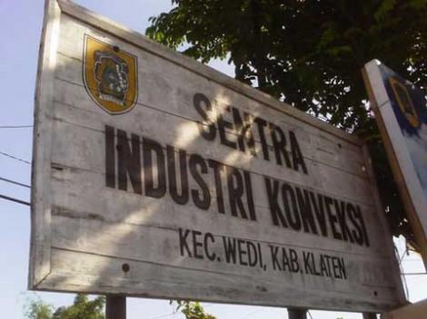 Plang 'Sentra Industri Konveksi'