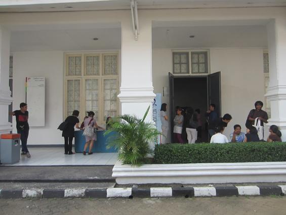 MUSLIHAT OK. Video -- The 6th Jakarta International Video Festival.