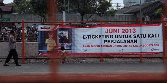 E-ticketing banner (Source: Wisnu Wardana, Kompas.com)
