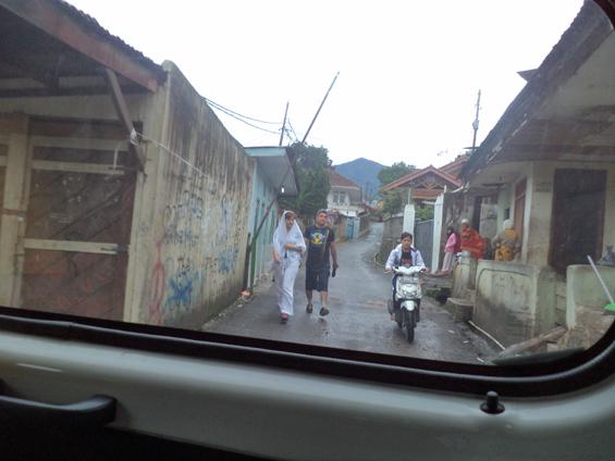 One of the alleyways in Warung Kaleng, Sampay Sindang Subur Village (Arab Village).