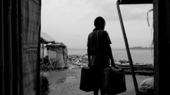 Still image dari Storm Children, Book One (2014) karya Lav Diaz.