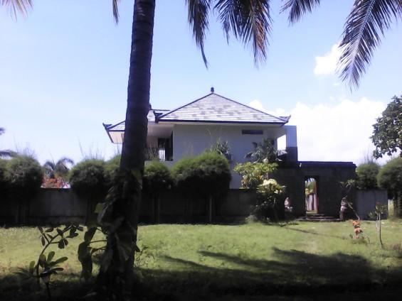 Villa yang dijaga oleh Dolah.