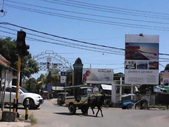The gate way to the Bangsal at Pemenang crossroad.