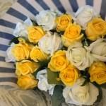 男性へのプレゼントにおすすめ!イエロー&ホワイト厳選バラ20本花束