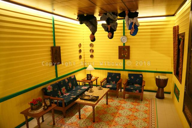 Ruang tamu rumah Melayu di Rumah Imaji Lagoi Bay Bintan