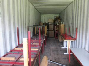 Akwamus venner fylder container Nr.6